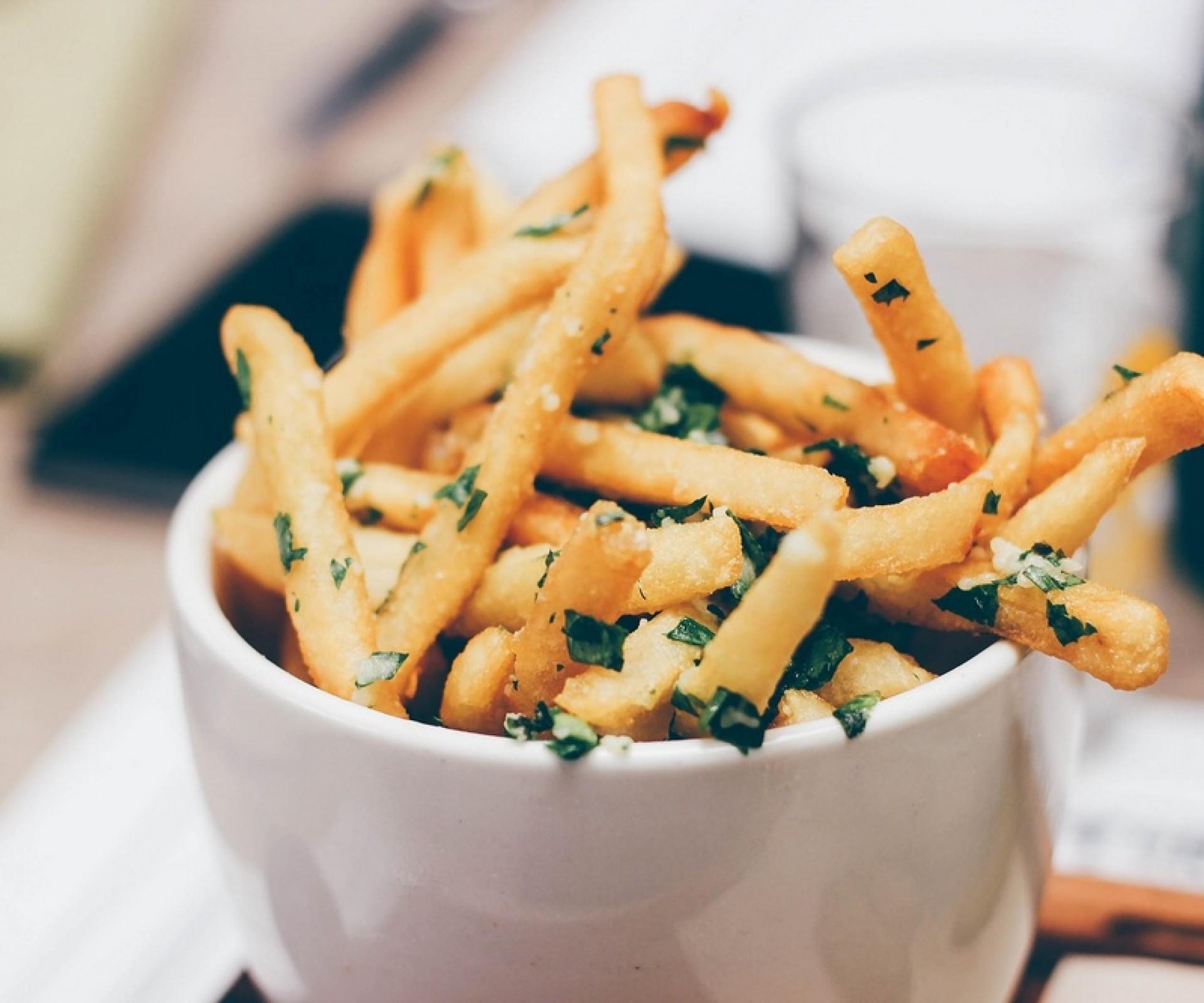 Patatine fritte profumate